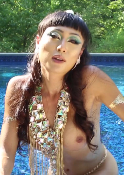 Golden Goddess Venus Lux